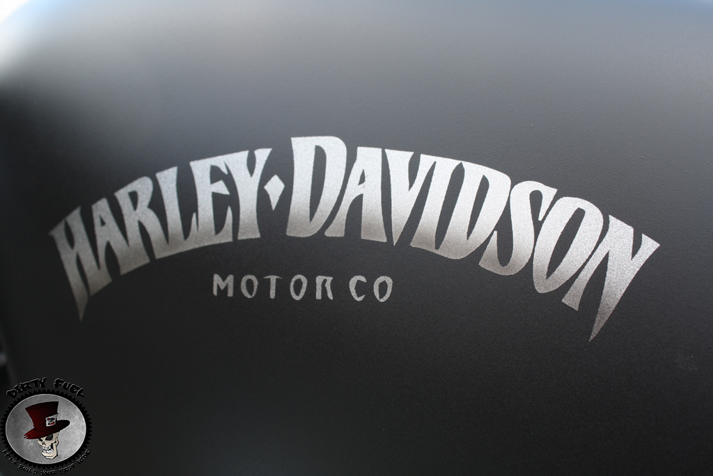 Harley davidson 883 Noir Mat Déco One Dirty #10